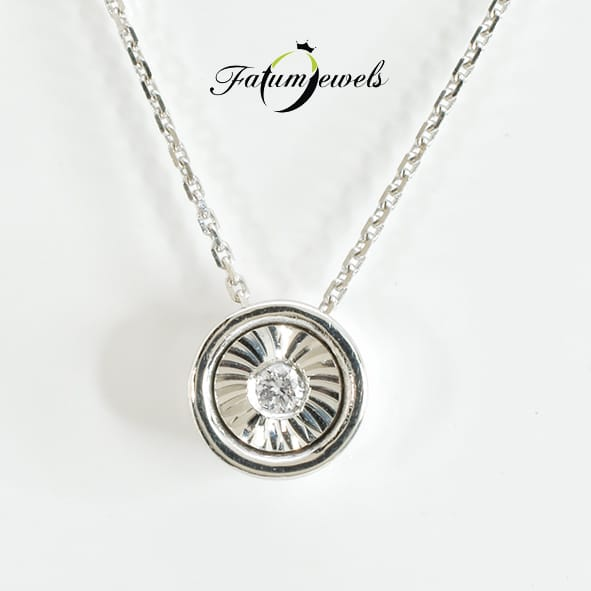 feherarany-gyemant-medal-turbulencia-fr499-0-02ct-tw-vs1-14k-1