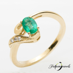 sarga-arany-gyemant-smaragd-gyuru-er314-0-024ct-w-vs1-smaragd-0-50ct-mi-14k-2