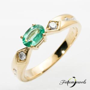 sarga-arany-gyemant-smaragd-gyuru-er315-0-10ct-w-vs1-smaragd-0-40ct-mi-14k