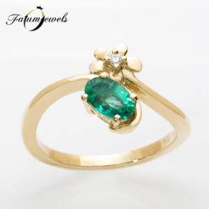 sarga-arany-gyemant-smaragd-gyuru-er349-0-014ct-w-vs1-smaragd-0-45ct-mi-14k