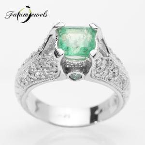 feherarany-gyemant-smaragd-gyuru-agy178-gyemant-0-68ct-h-j-si1-i2-0-10ct-azurkek-i1-i3-smaragd-1-49ct-hi-14k-2