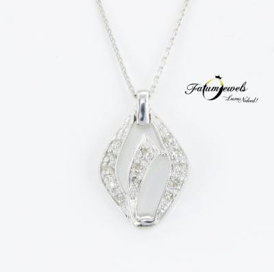 18k-feherarany-gyemant-medal-lanccal-agy218-gyemant-akant