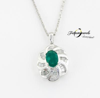 18k-feherarany-gyemant-smaragd-medal-lanccal-fr842-gyemant-smaragd